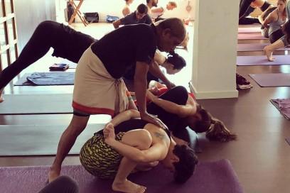 Nombre y significado de las posturas de la 1ª serie Ashtanga Yoga (hasta navasana)